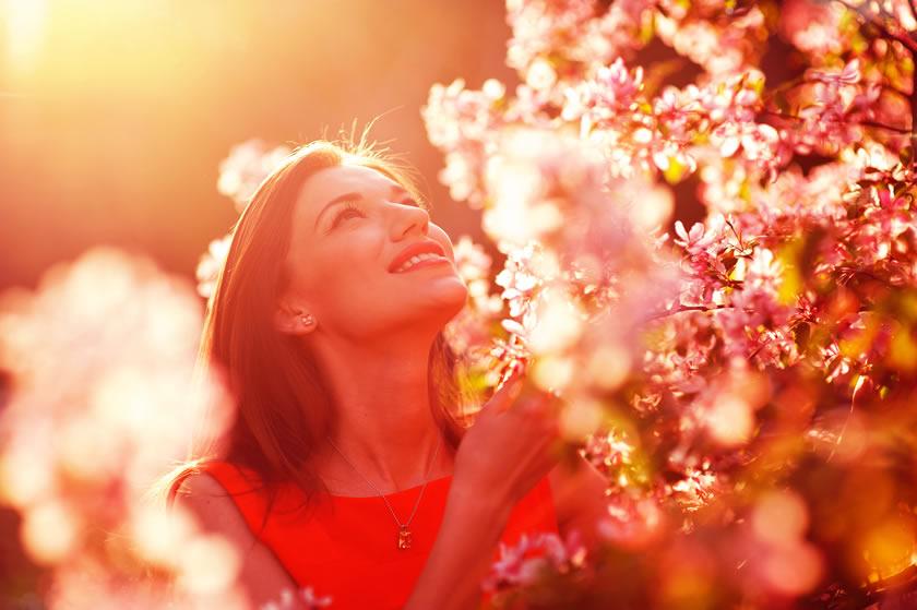 3 Dicas Simples para uma Rotina de Cuidados com o Rosto Durante a Primavera