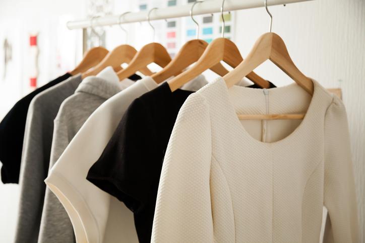 Saiba como o guarda-roupa cápsula pode mudar seu estilo